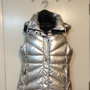 LOLE  LIVE OUT LOUD EVERYDAY METALLIC GRAY VEST